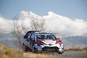 Shakedown - Meeke devant les deux Citroën