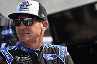 Clint Bowyer returns to the dirt at Charlotte Motor Speedway