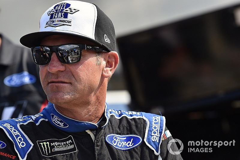 Brickyard 400: Clint Bowyer wins Stage 1; Truex out early