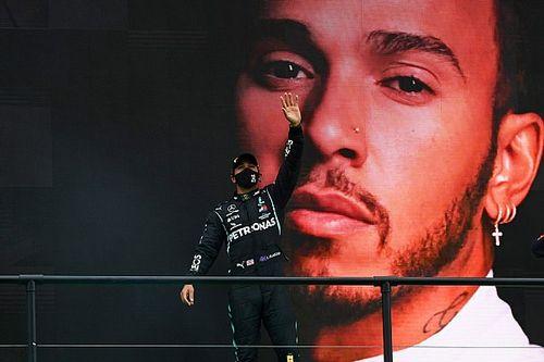"""Lovagi elismerés Hamiltonnak: """"kétségtelenül a valaha volt egyik legnagyobb sportoló"""""""