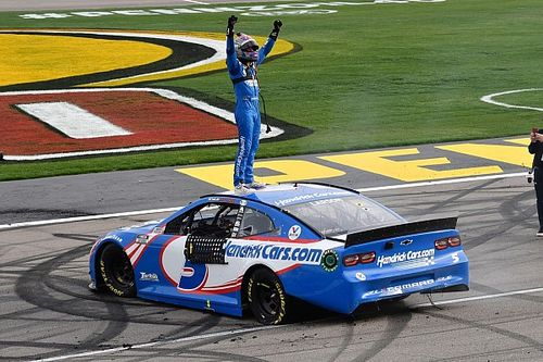 Las Vegas win a reminder of Larson's NASCAR promise