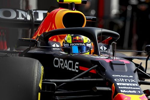 """F1: Pérez revela que segue ajustes do carro de Verstappen para não """"se perder"""" em adaptação à Red Bull"""