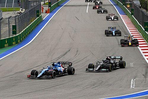"""Alonso, tras luchar por el podio: """"Parece que dimos un paso adelante"""""""