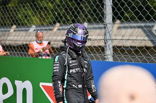 Marko: Ha nagyon fájt volna Hamilton nyaka, nem tűnik fel egy nappal később New Yorkban egy vicces öltözékben!