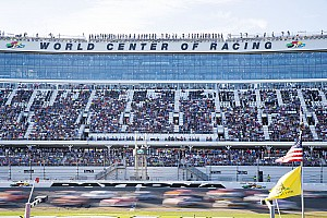 NASCAR Cup Breaking news 42 entries for 2017 Daytona 500