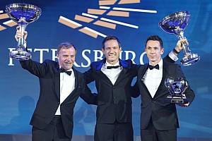 Şampiyonluğa ulaşan isimler kupalarını FIA Ödül Töreni'nde aldı