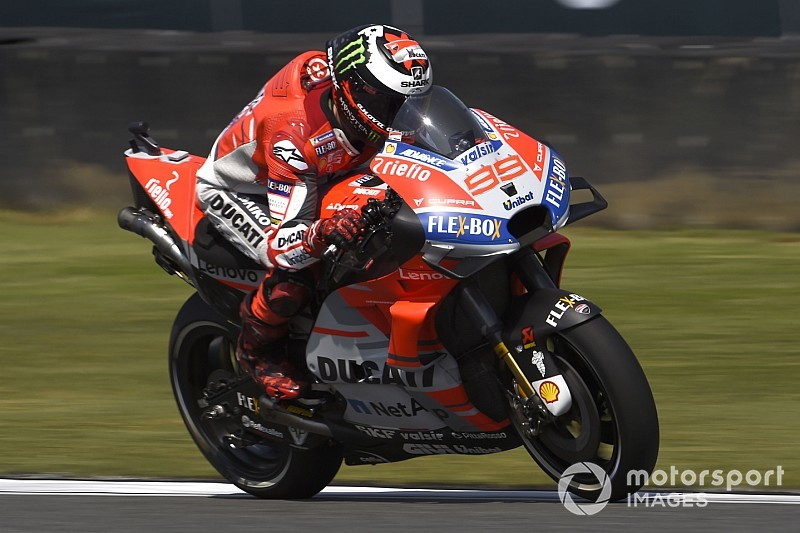 Lorenzo se rend au Japon, prêt à reprendre la piste vendredi