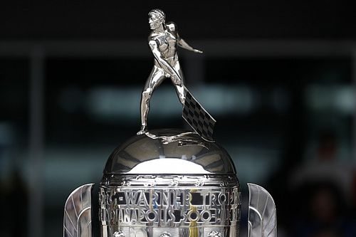 ¿Cómo se convirtió el trofeo Borg-Warner de la Indy 500 en un icono?