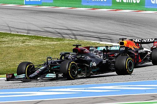 """Hamilton destaca la """"buena apuesta"""" de Mercedes con la estrategia"""