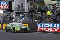 Bentley consegue primeira vitória em Bathurst; carro de Fraga termina em sexto