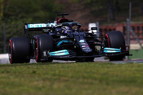 Hamilton a pole-ban Imolában Perez és Verstappen előtt, egy tizeden belül a top-3!