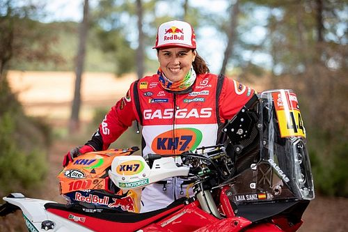 Laia Sanz ends two-wheel Dakar career, will switch to cars