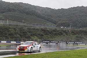 دبليو تي سي سي تقرير السباق دبليو تي سي سي: غيريري يفوز بالسباق الأوّل الممطر في شنغهاي قبل إلغاء السباق الثاني