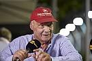 F1 Lauda retoma el control de compañía aérea