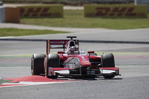 FIA F2 Reporte de la carrera Leclerc gana la primera carrera de la F2 en Barcelona