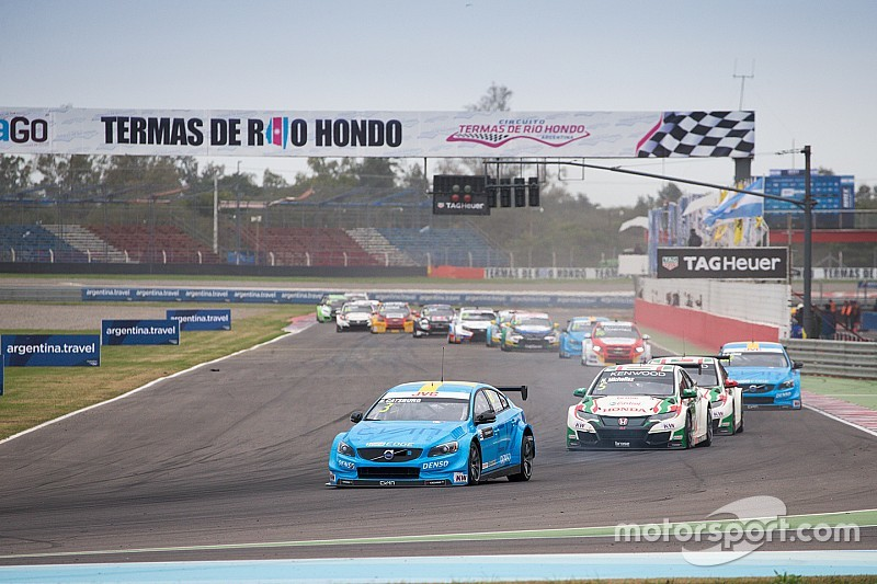 "Catsburg: WTCC needs ""hard look"" at tyres after double puncture"