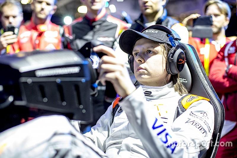 Компьютерный гонщик Гюйс получил $200 тысяч, переиграв звезд Формулы Е