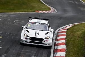 WTCR Crónica de Carrera Festejo de Bjork en la tercera carrera del WTCR en Nurburgring