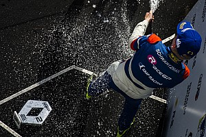 Formule Renault Actualités Robert Shwartzman s'impose à Barcelone, Will Palmer repousse l'échéance
