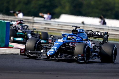 """Alonso """"incredible"""" in defence against Hamilton - Alpine"""