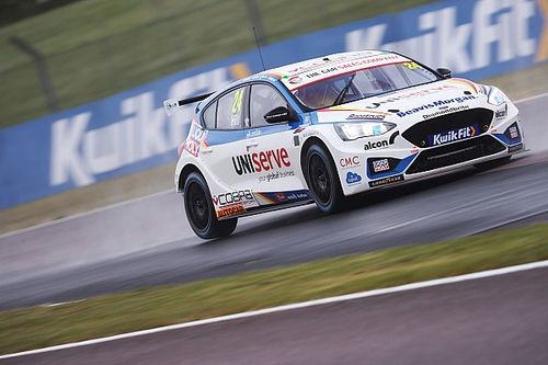 Hill blames BTCC veteran Plato for ruining qualifying shot