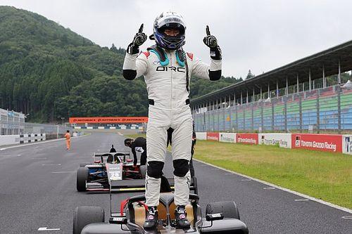 """2021年フォーミュラ・リージョナル・ジャパンが開幕。""""ホームコース""""岡山で片山義章が3戦3勝挙げる"""
