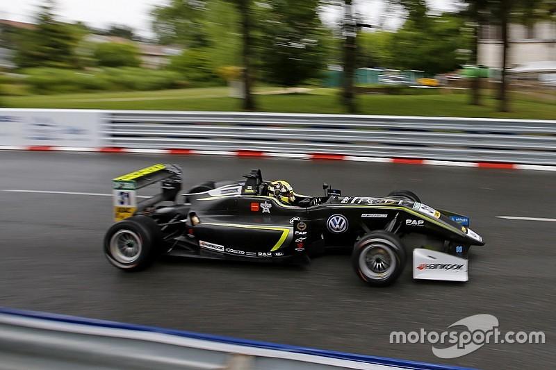 فورمولا 3: نوريس ينطلق أوّلًا في السباقين الثاني والثالث في جولة بو