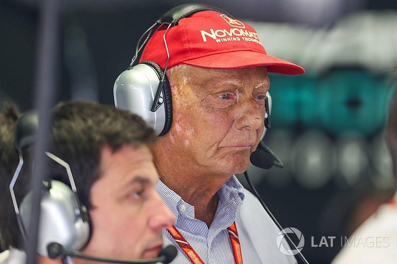 """Lauda dice que la sanción a Verstappen fue """"lo peor que vi en mi vida"""""""
