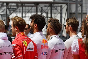 Lewis Hamilton no planea arrodillarse en el GP de Estados Unidos
