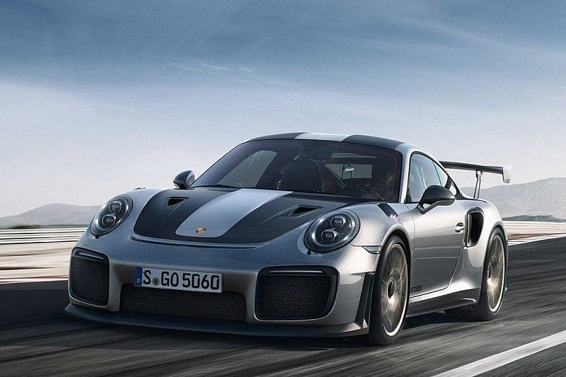 Новий Porsche 911 GT2 RS вразив прискоренням до 300 км/год
