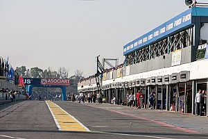 Formula 1 Breaking news F1 race director Whiting inspects Buenos Aires track