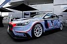 TCR Hyundai pajang i30 TCR di Nurburgring