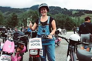 Annik Scholzen, en pédalant avec le sourire à l'Alpenbrevet 2018
