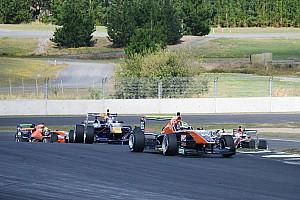 Другие Формулы Отчет о гонке Подопечный Red Bull упустил титул TRS в последней гонке