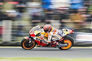 Márquez triunfa em bela corrida na Austrália; Dovi é 13º