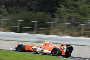 Формула V8 3.5 Репортаж з кваліфікації Діллманн виграв дощову кваліфікацію в Барселоні з відривом в 0,025 с