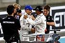 Bottas szárnyalt, Hamilton és Vettel is csak nézett, mit ment a finn