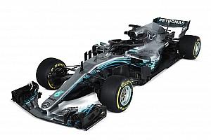 Megérkeztek a hivatalos stúdiófotók a Mercedes 2018-as versenygépéről