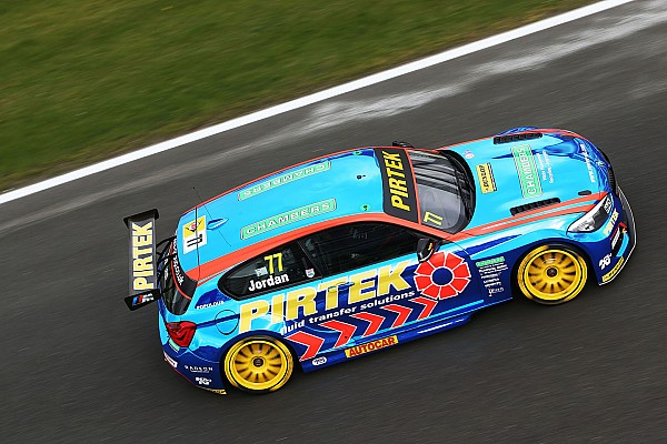 BTCC Brands Hatch BTCC: Jordan fights off Turkington to head BMW 1-2