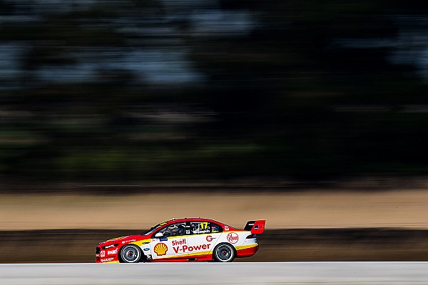 Symmons Plains Supercars: McLaughlin fastest in damp practice