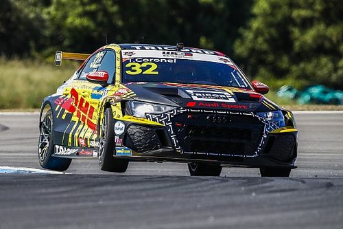 Tom Coronel beleeft lastig WTCR-weekend in Portugal