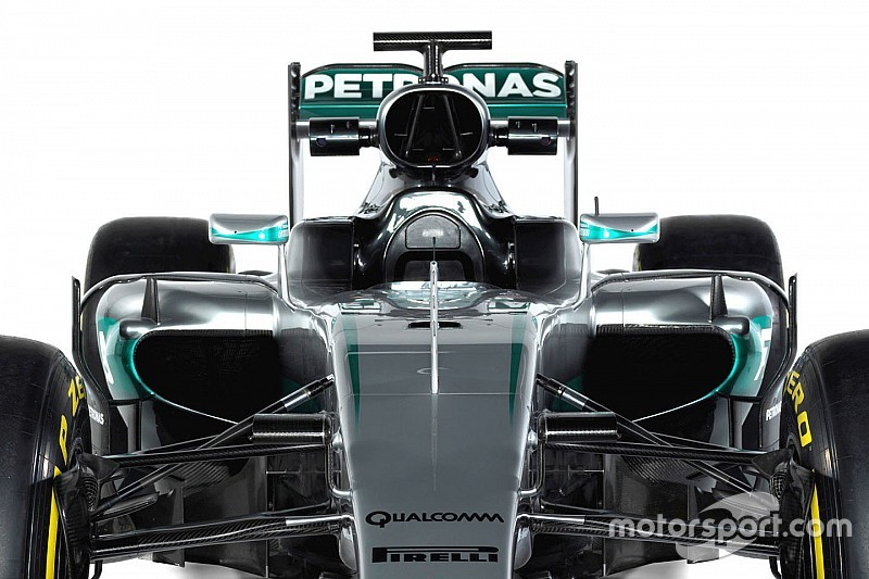 new mercedes f1 car, the w07, breaks cover