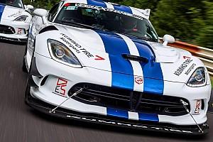Autó BRÉKING Visszatért a Viper a Nürburgringre, 7 perc alatti időt futna