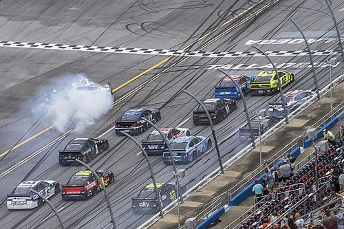 NASCAR Talladega: Wildes Fotofinish mit Crashs - Emotionen um Wallace