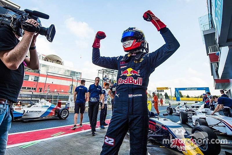 SMP F4: Verschoor pakt Noord-Europees kampioenschap met derde hattrick op rij