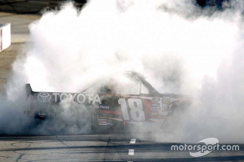 Kyle Busch scores first Martinsville win in contact-filled Truck race