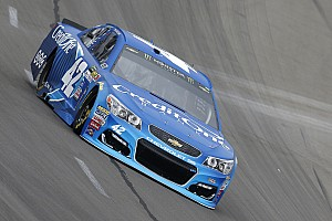 NASCAR Cup Race report Kyle Larson takes Stage 2 win at Texas