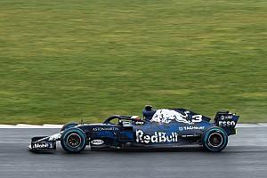 Acidente interrompe primeiro teste do Red Bull RB14