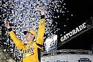 NASCAR Cup Busch vence prova caótica em Martinsville e vai para final