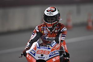Lorenzónak fékhiba miatt kellett leugrani a Ducatiról